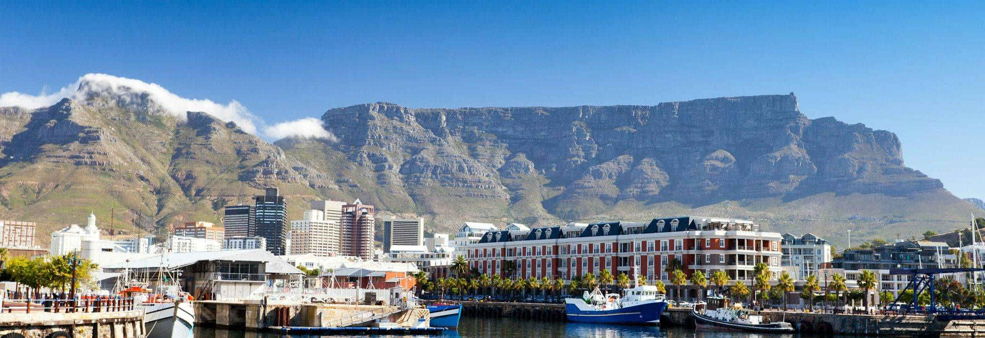 Cape Town'S Waterfront & Table Mountain