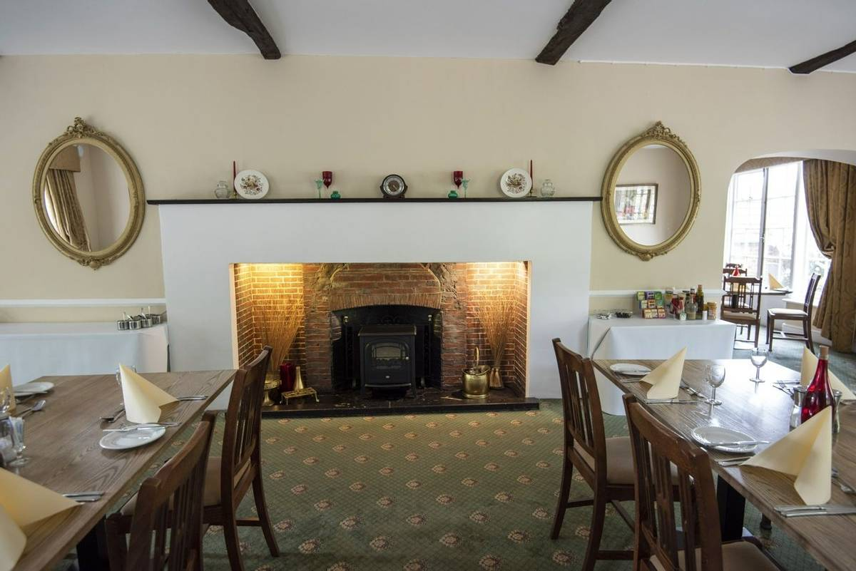 10688_0149 - Abingworth Hall - Restaurant