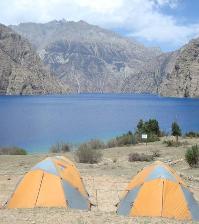 Camp at Phoksumdo lake (3,700m)