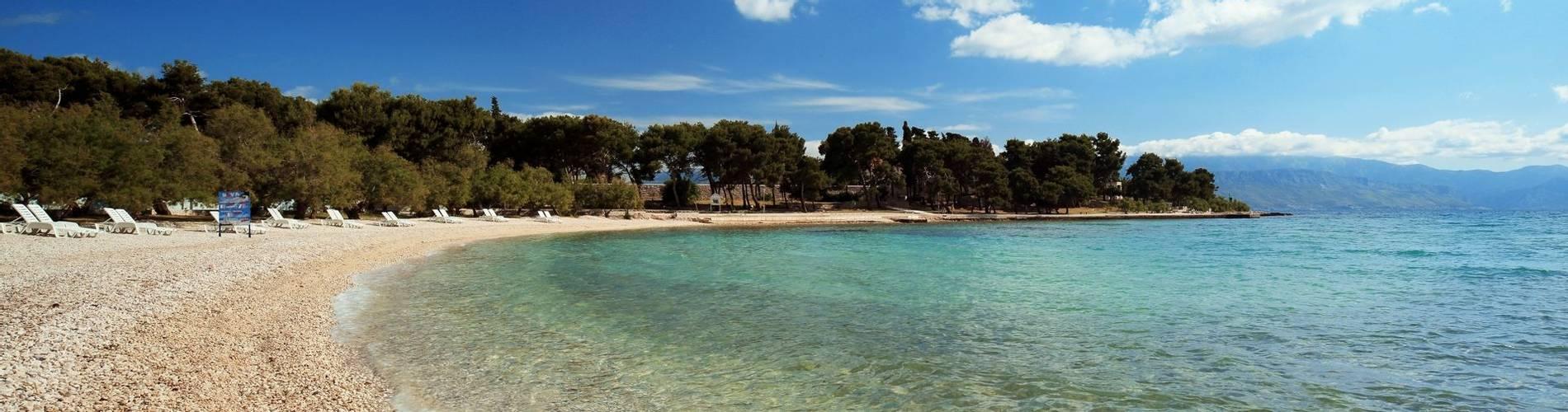 Hotel Villa ADRIATICA 2014 ZSupetar Beach1 9X19 panorama 27MB.jpg
