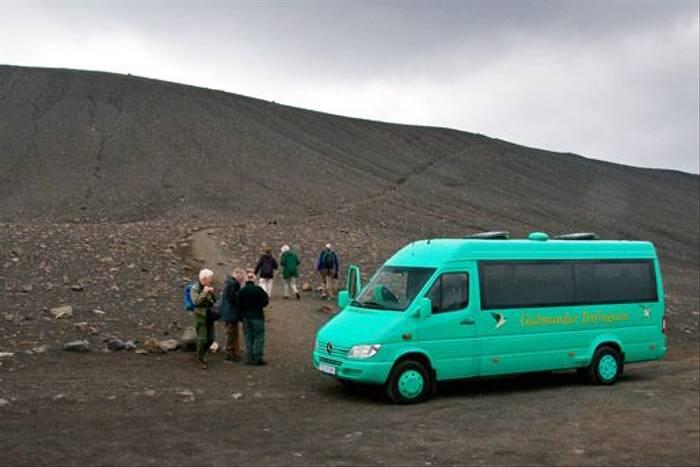 Members preparing to walk the tefra crater (Alan Bevis)