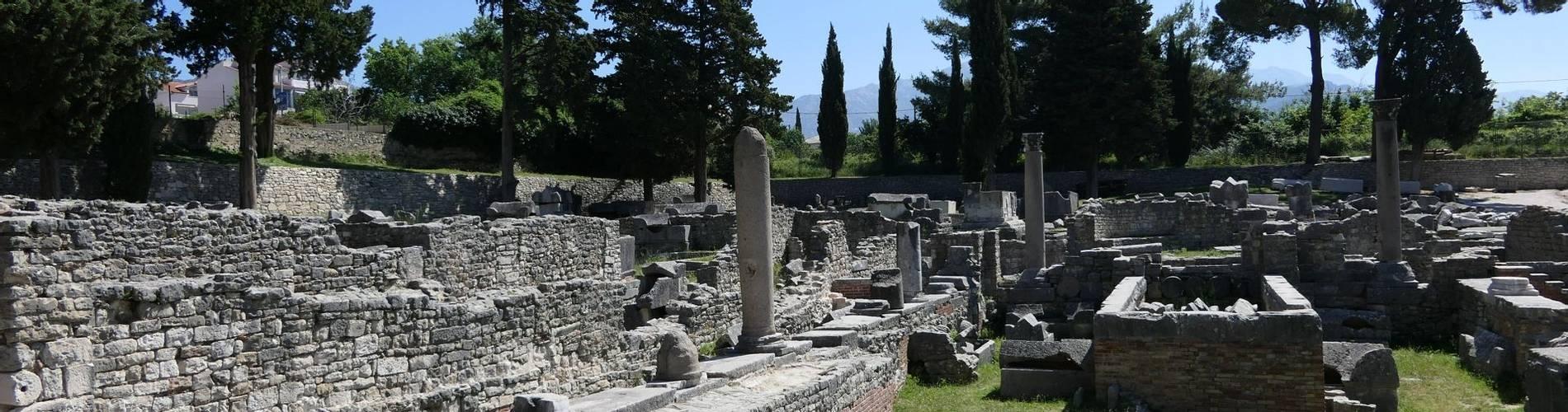 Roman ruins, Salona, Solin, Completely Croatia.JPG