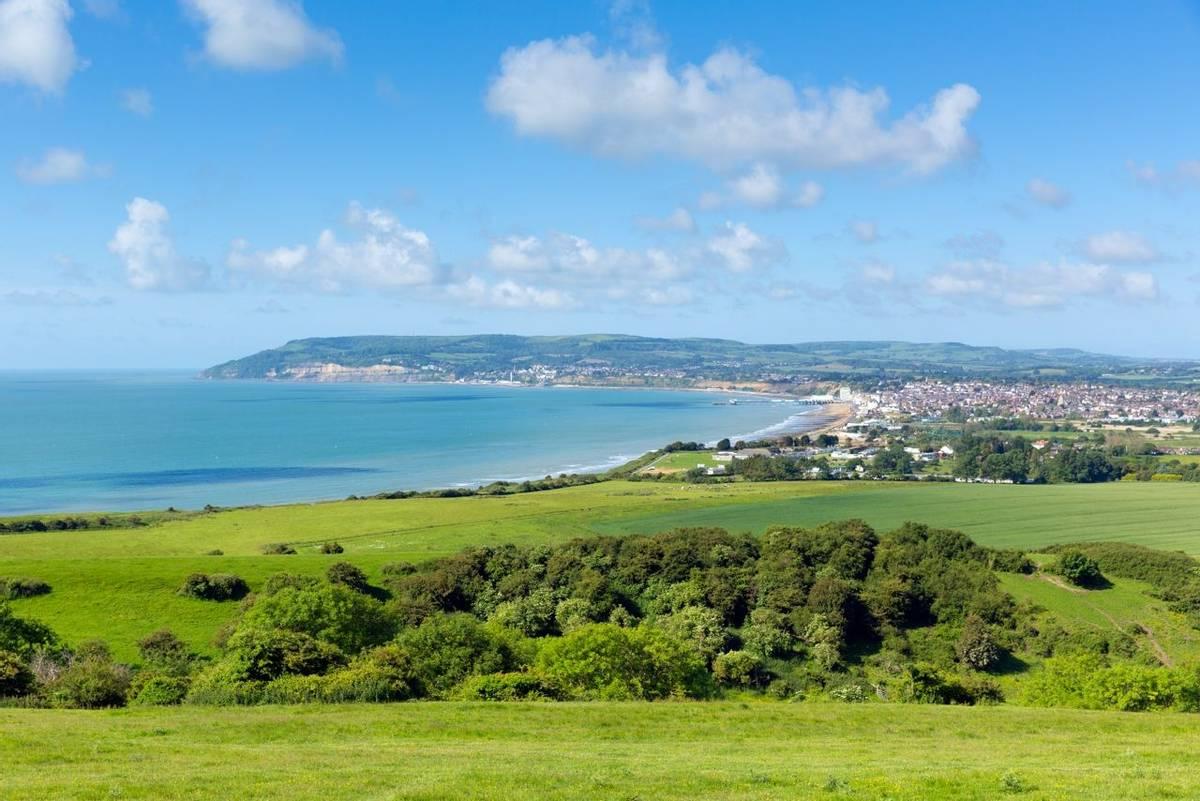 Isle_of_Wight_Shanklin_View_AdobeStock_66017480.jpeg