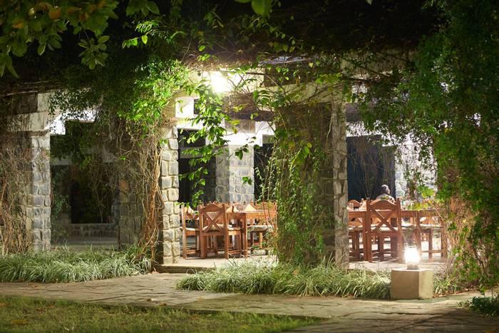 Dining area, Bandhavgarh Villas.jpg