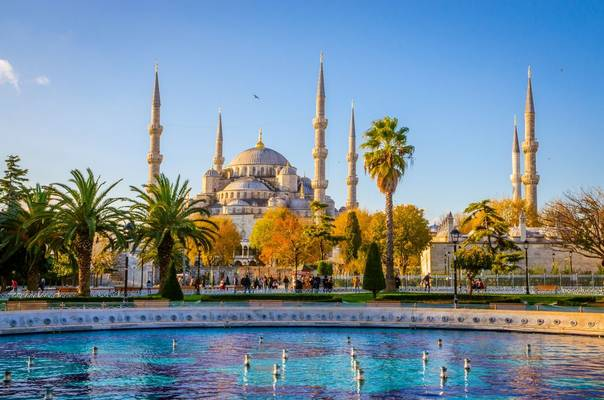 Blue Mosque, Istanbul Shutterstock 589266878
