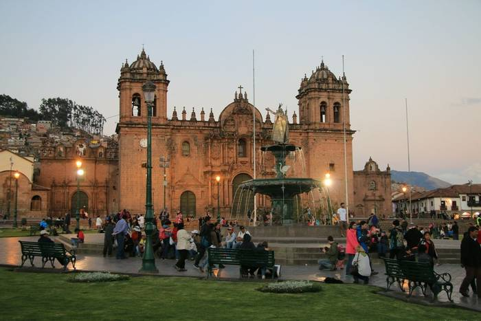 Cathedral & Plaza Mayor, Cusco (Robert Davidson).JPG
