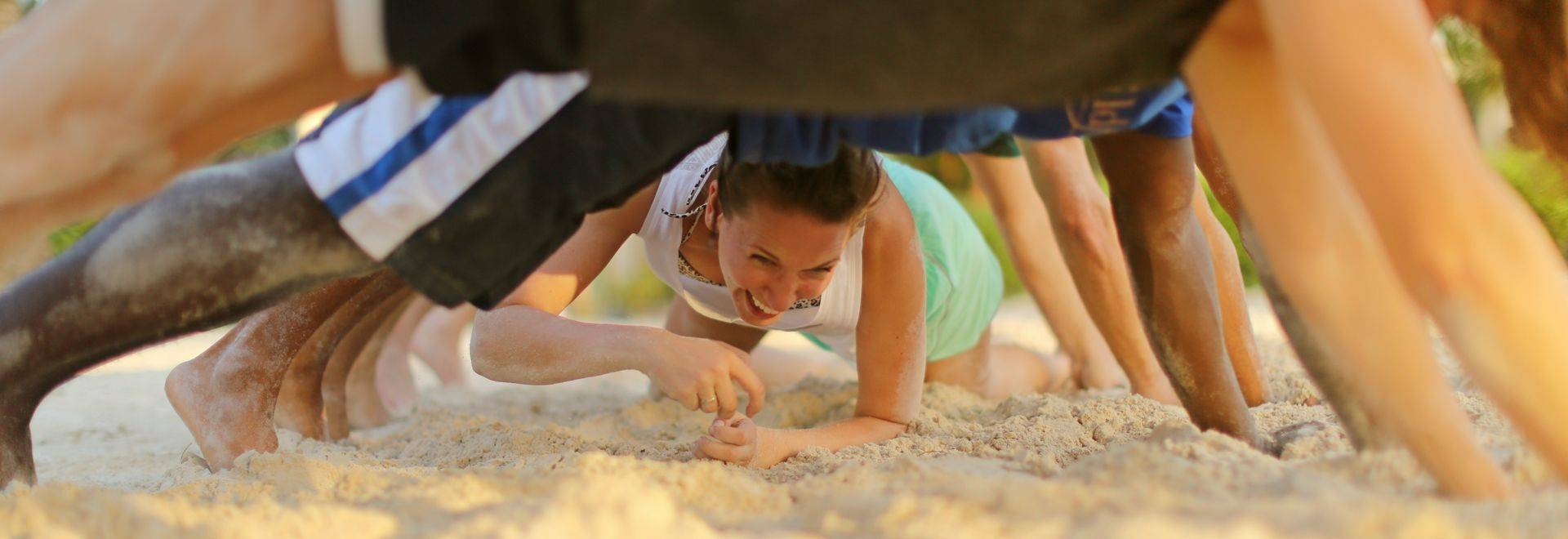Zansibar-sandcrawling.jpg