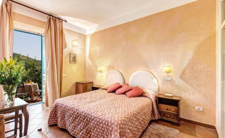 Sorrento - Hotel - Villa Romita - Bedroom - GHH - 61 - From Hotel.jpg