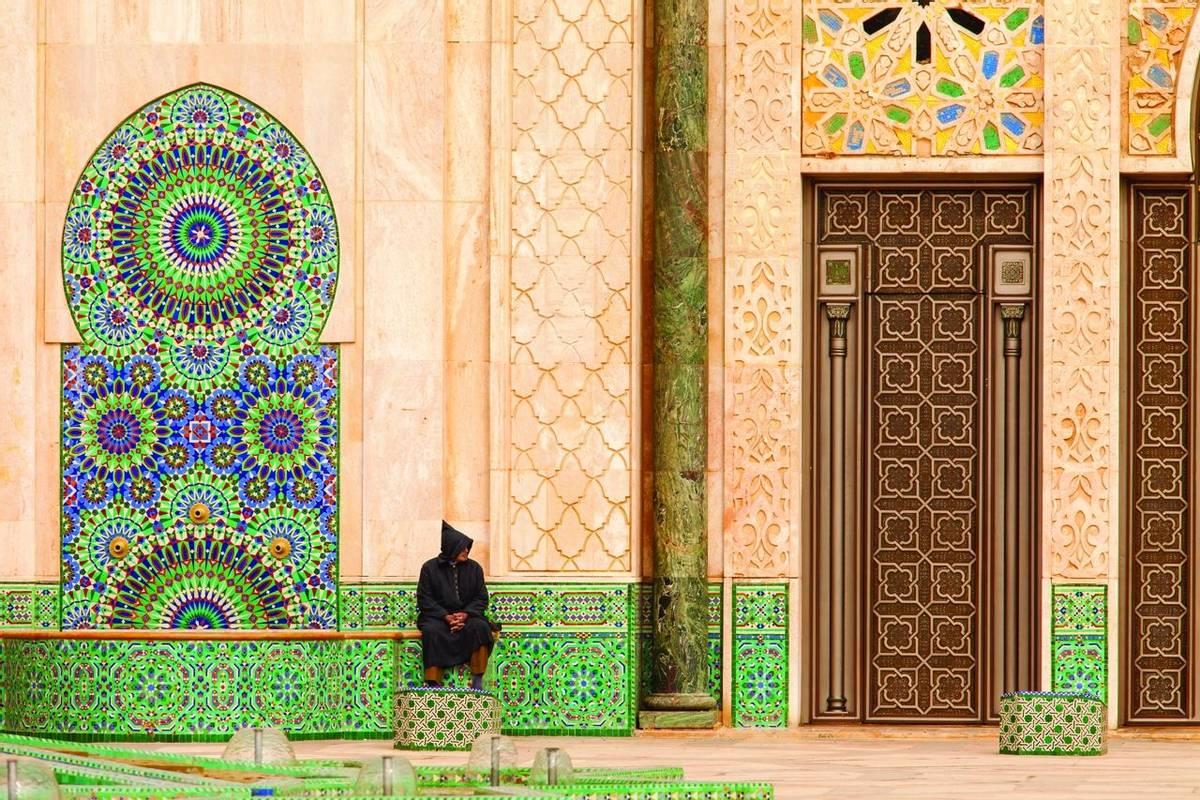 Casablanca, Morocco: Ornate exterior brass door of Hassan II Mosque in Casablanca, Morocco.