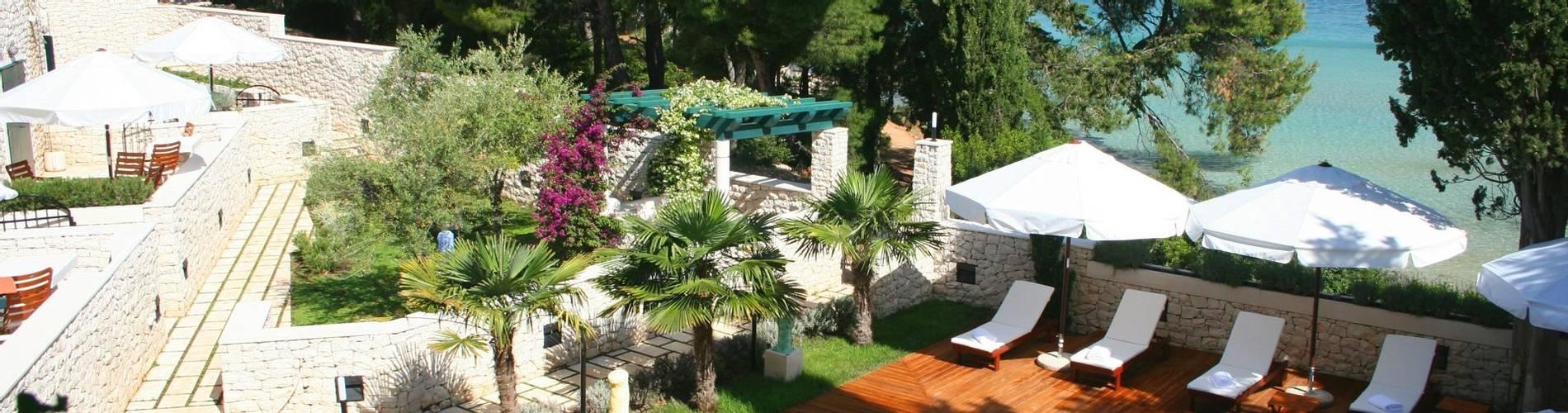 Villa pool2.jpg