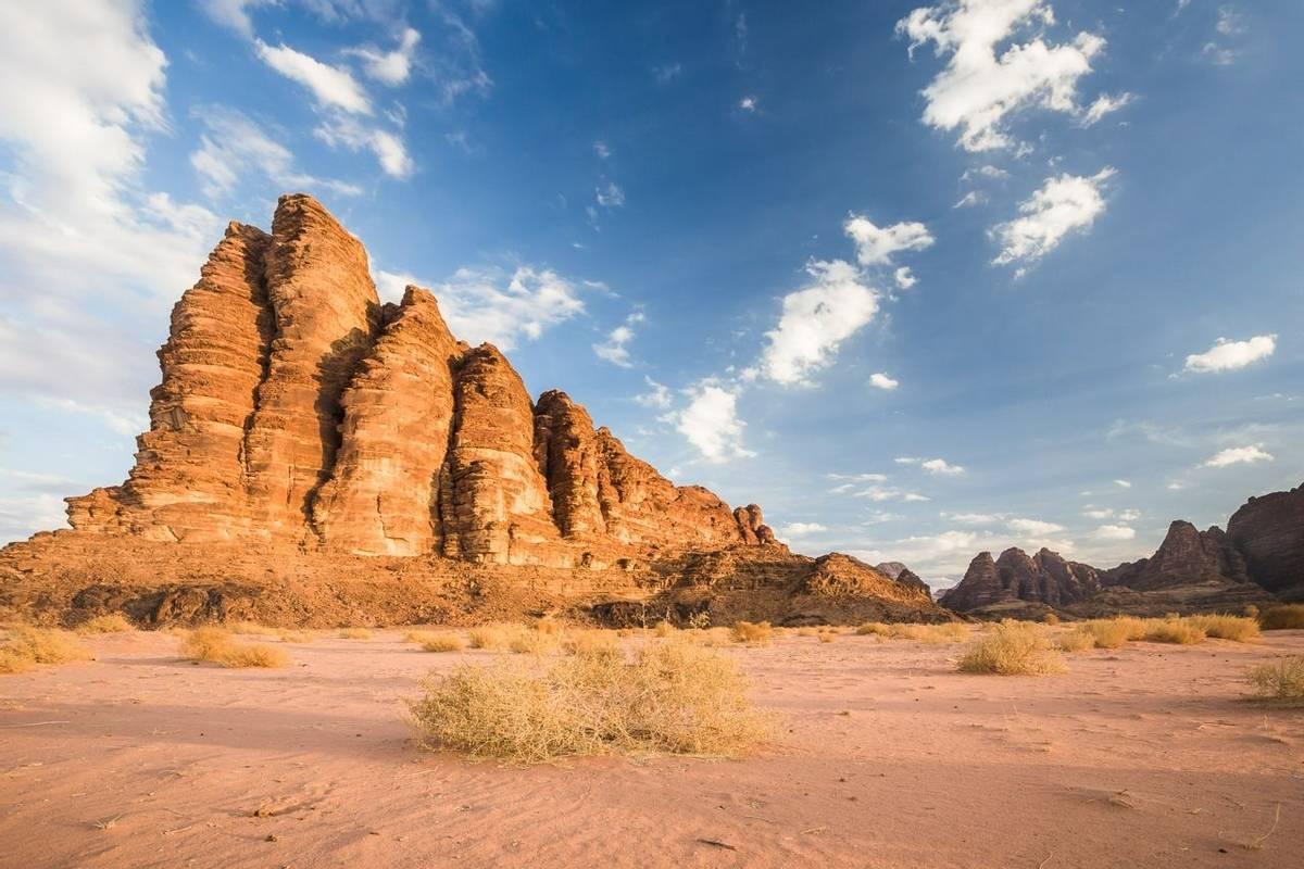 Wadi Rum shutterstock_1129219661.jpg