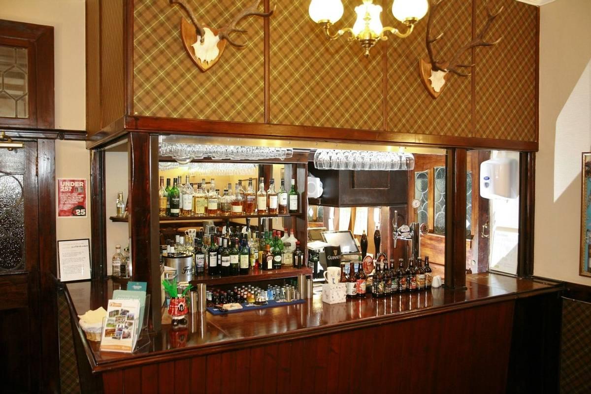 10682_0048 - Alltshellach - Bar