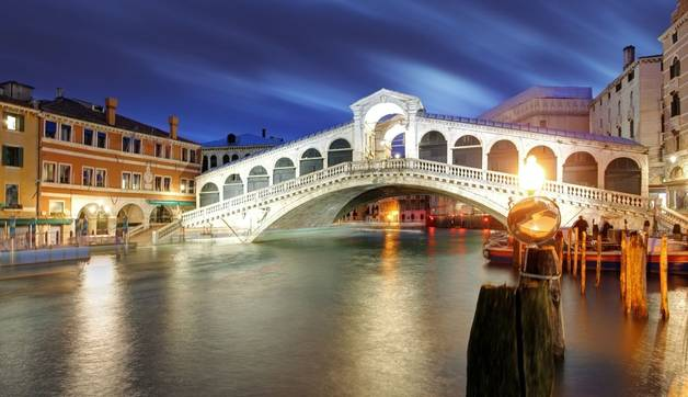The Rialto Bridge at Night, Venice. Italy