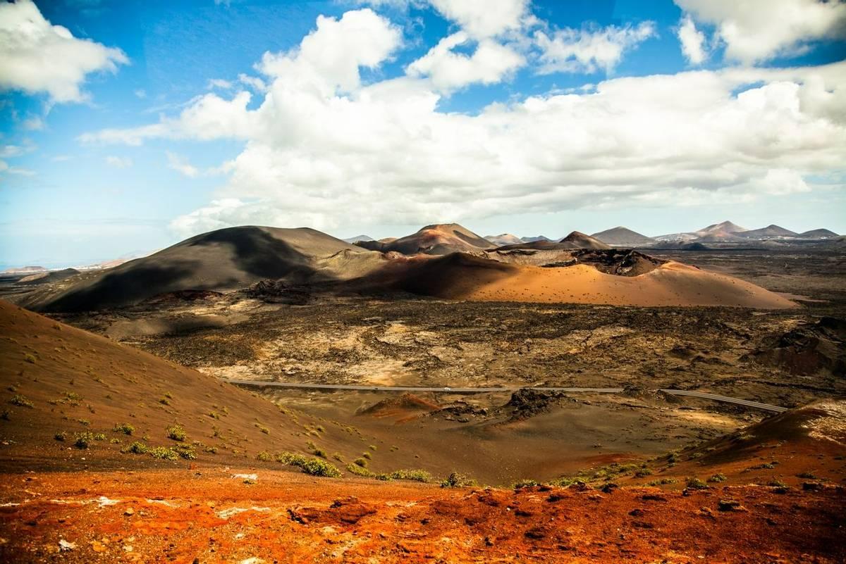 Spain-Lanzarote_Timanfaya_National_Park_AdobeStock_108890770.jpeg