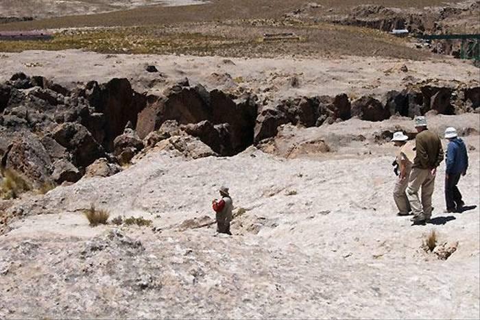 Down to the cave at Sambay (David Allison)