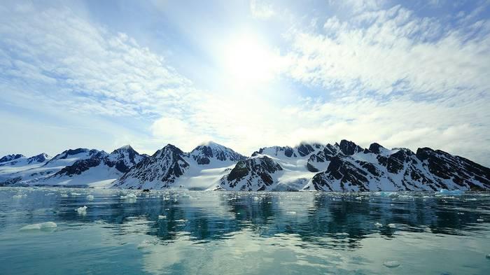 Fuglefjorden (Bret Charman)