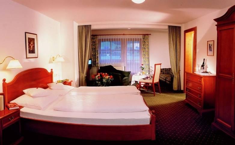 Austria - Mayrhofen - Zillertal Alps - Hotel Waldheim - Room - 31 waldheim.jpg