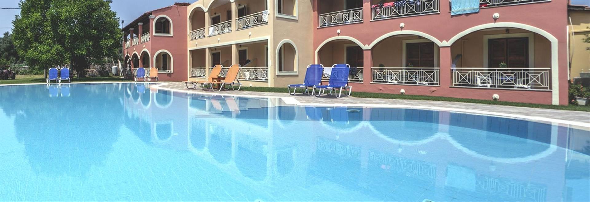 Aronda Large Pool