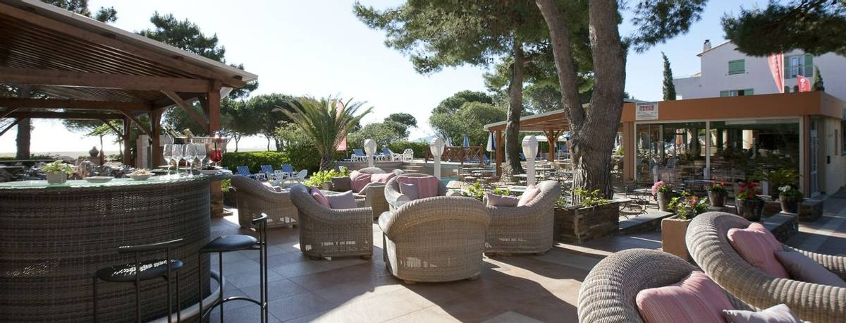 French Catalonia - Grand Hotel du Lido - Bar-terrasse_24972286772_o.jpg