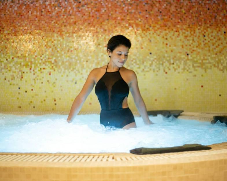 carillon-spa-Thermal Experience_Vitality Tub.jpg