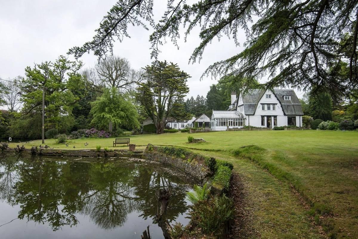 10688_0099 - Abingworth Hall - Garden