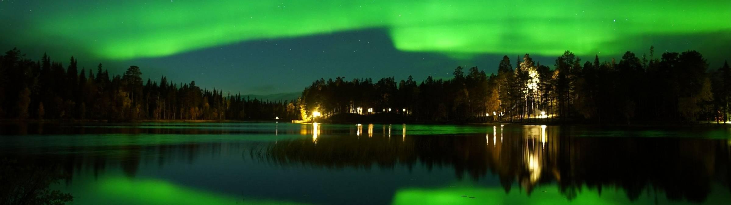 Luosto5-ruska-aurora.JPG