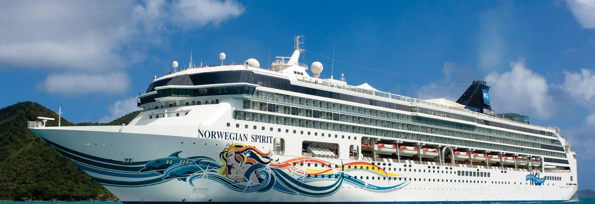 Norwegian Spirit in Tortola - British Virgin IslandsNorwegian Spirit - Norwegian Cruise Line