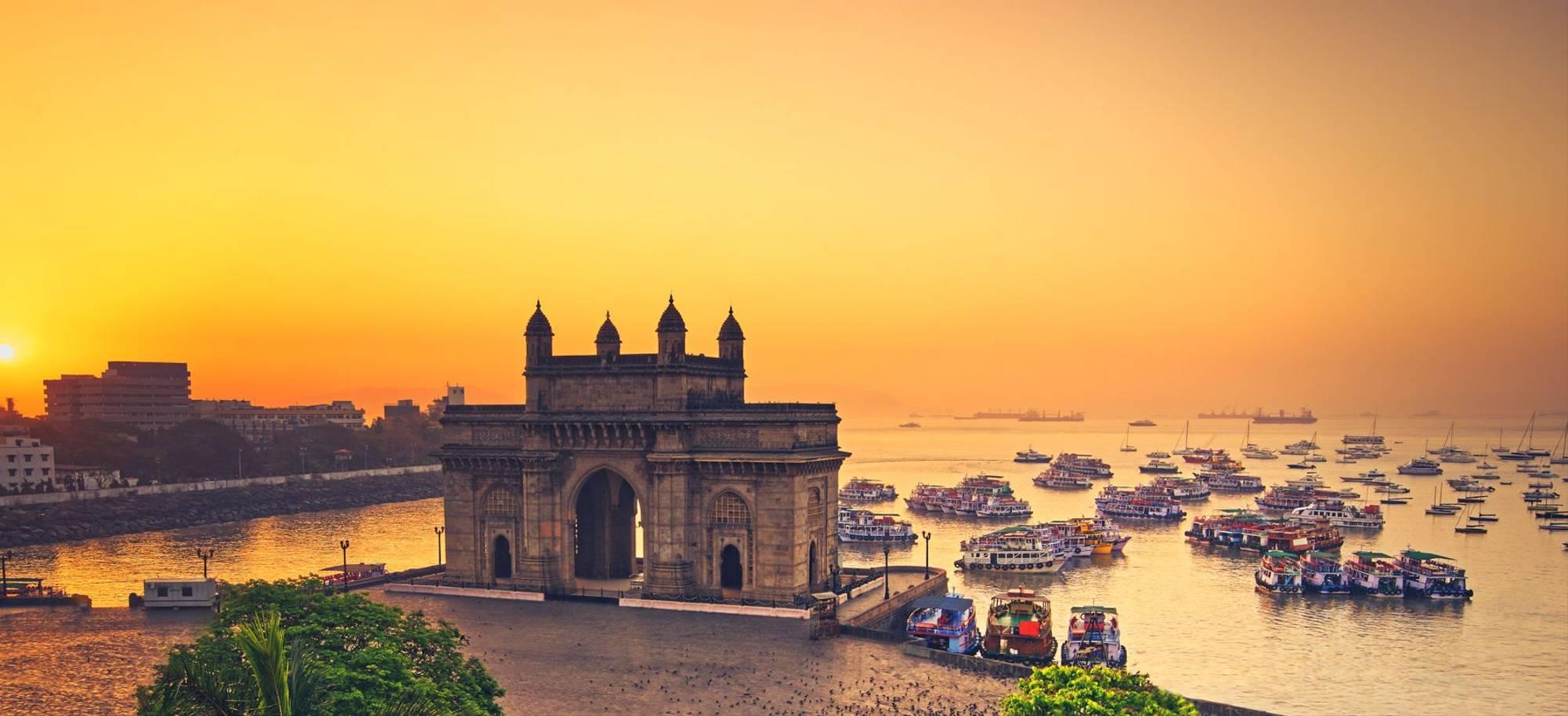 18 Day - Mumbai - gateway of India - Itinerary Desktop.jpg