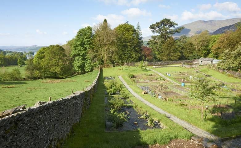 10683_0057 - Monk Coniston - Garden