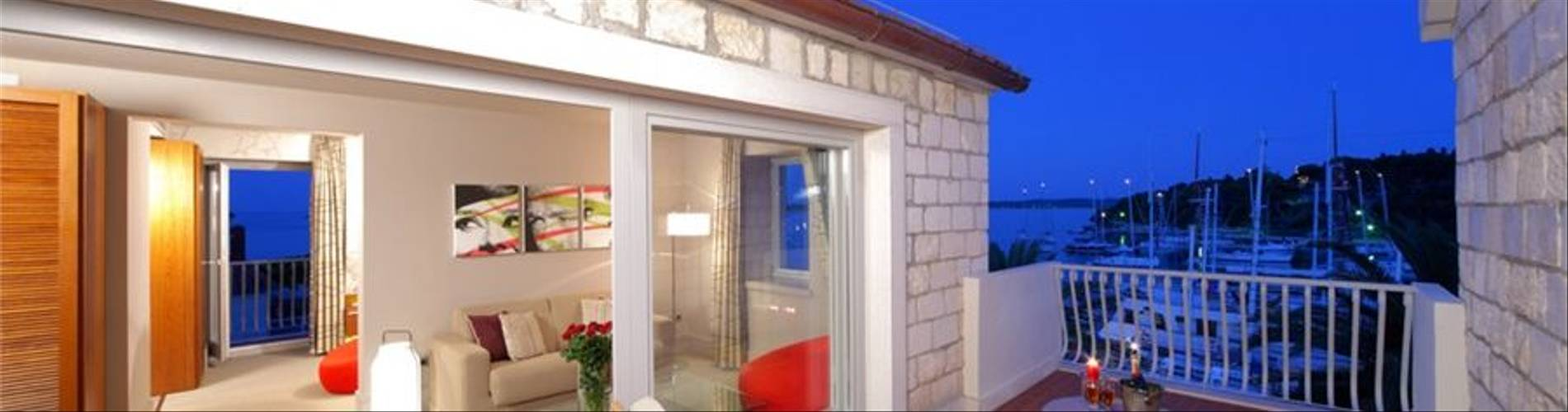 Riva-Marina-suite-terrace.jpg