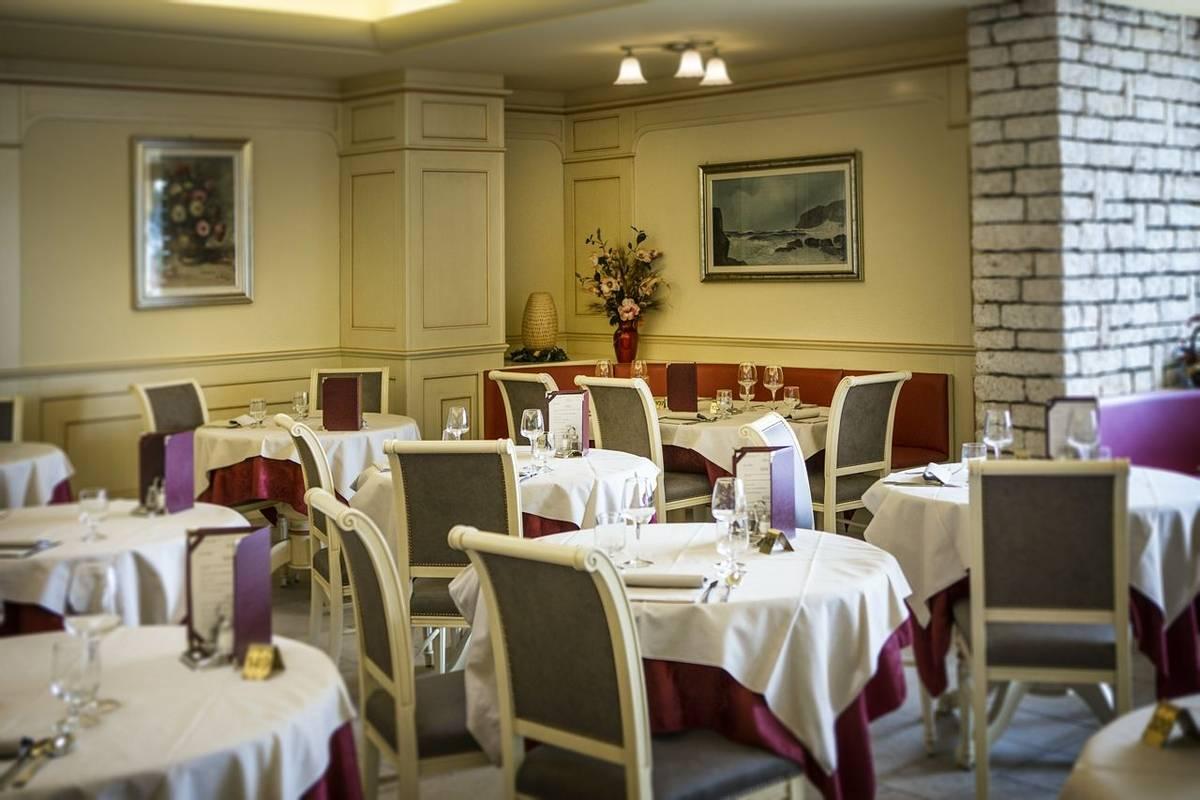 Italy - Lake Garda - Hotel du Lac -HDL Sala 02.jpg