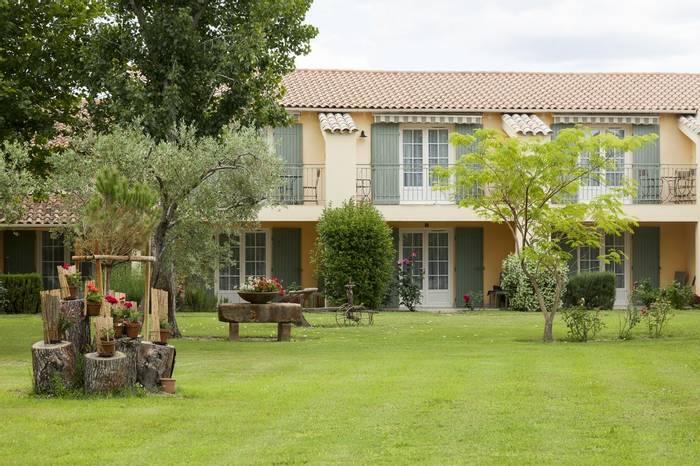 Front garden at Hotel Granges Arles