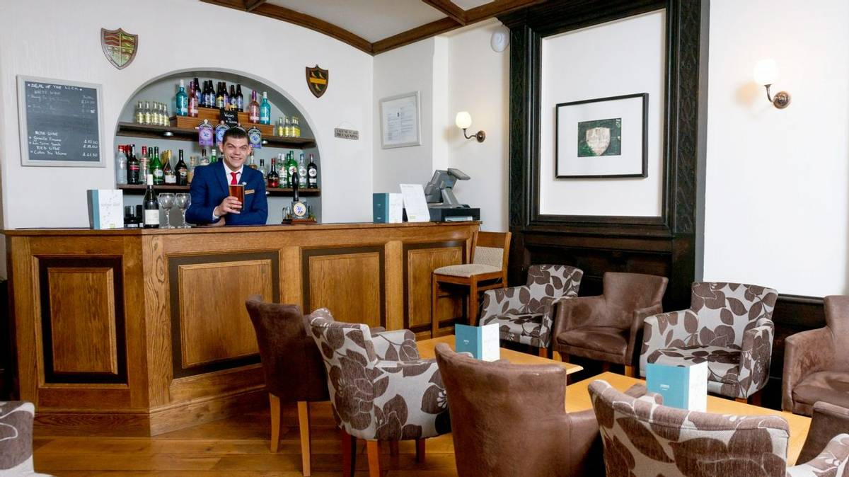 10690_0001 - Craflwyn Hall - Bar