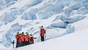 Hike-Neko-Harbour-Antarctica-HGR-117938- Photo_Karsten_Bidstrup.jpg