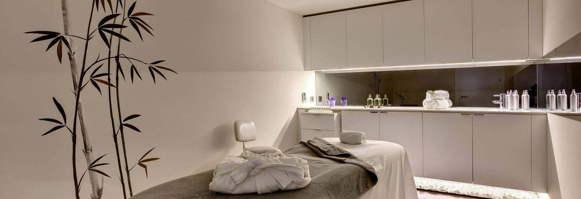 SHA-Wellness-Clinic-treatment-room-3.jpg