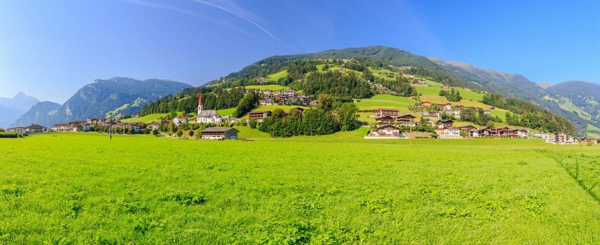 Austria - Mayrhofen - Zillertal Alps - Landscape - AdobeStock_126815113.jpeg