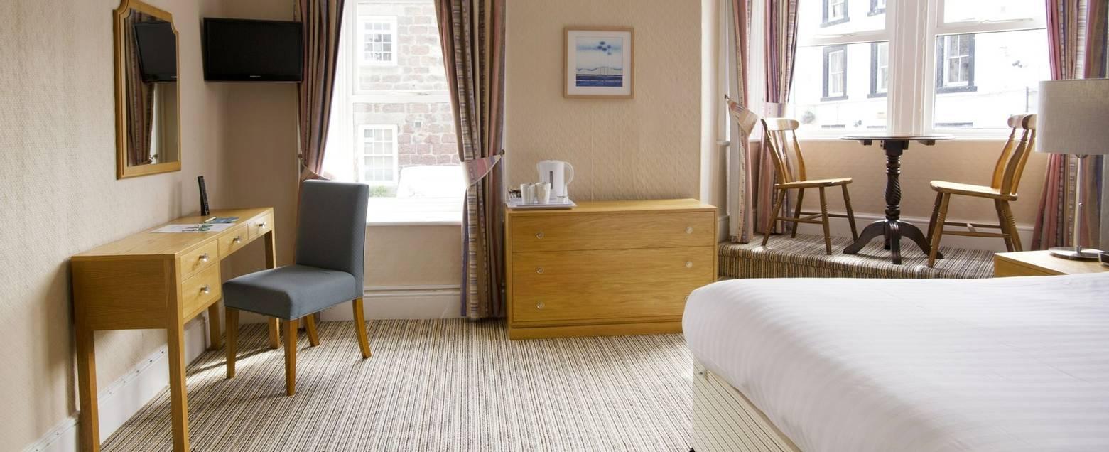 10673_0113 - Nether Grange - Room 9