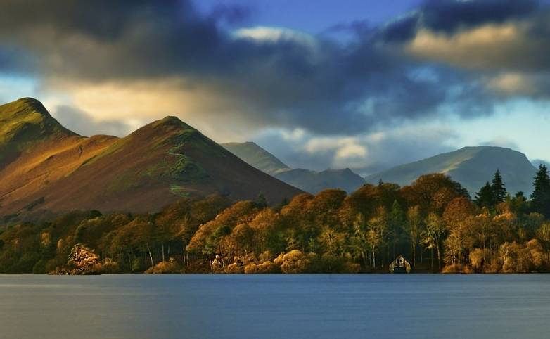 Derwent Bank - Cat Bells - iStock_000053174638_Medium.jpg
