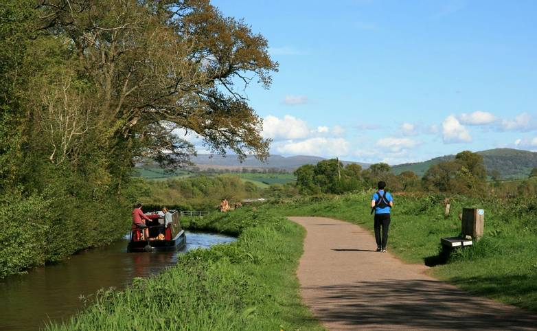 Brecon Canal with hills beyond.jpg