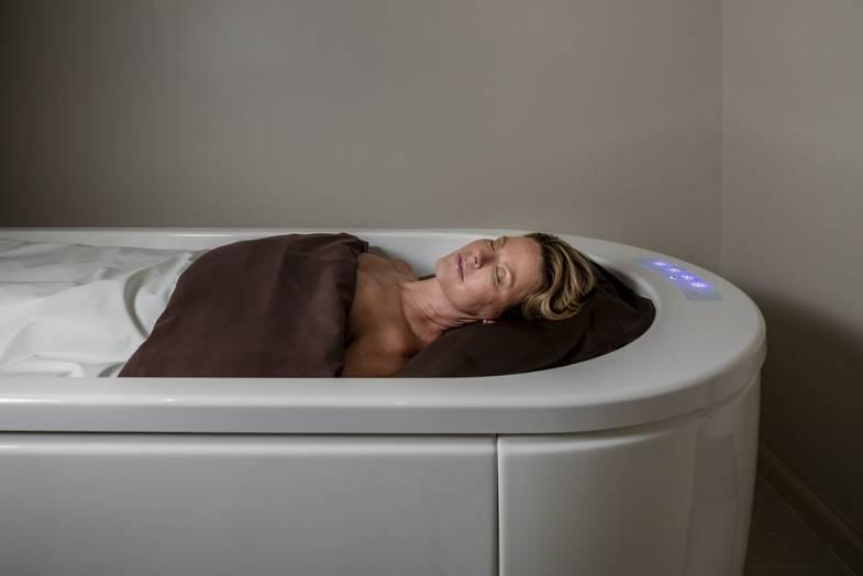 carillon-spa-Dry-Float-Bed.jpg