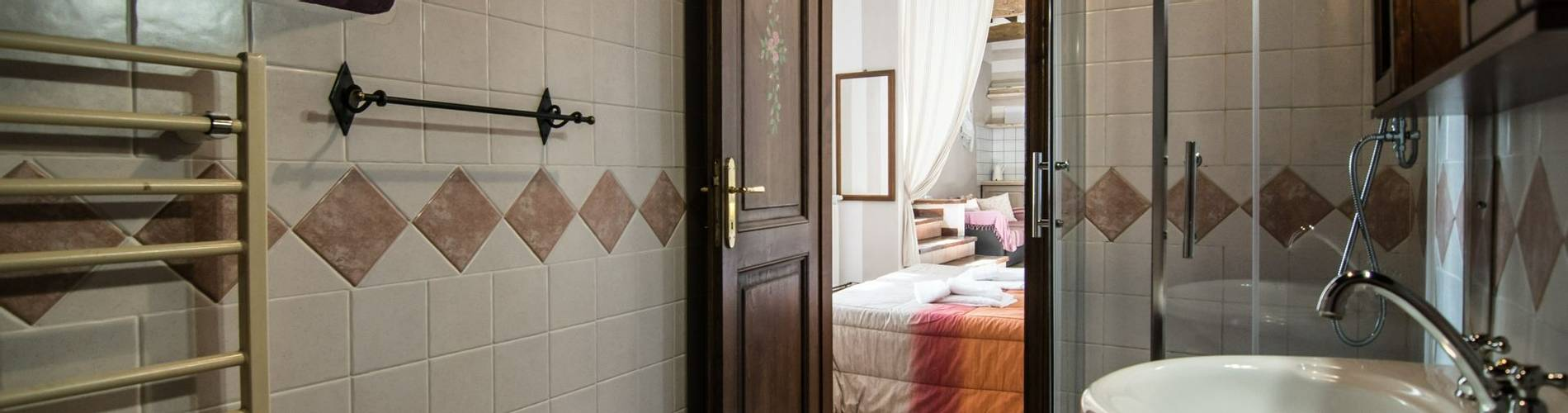 Montemenardo, Umbria, Italy, Il Pozzo Room (2).jpg