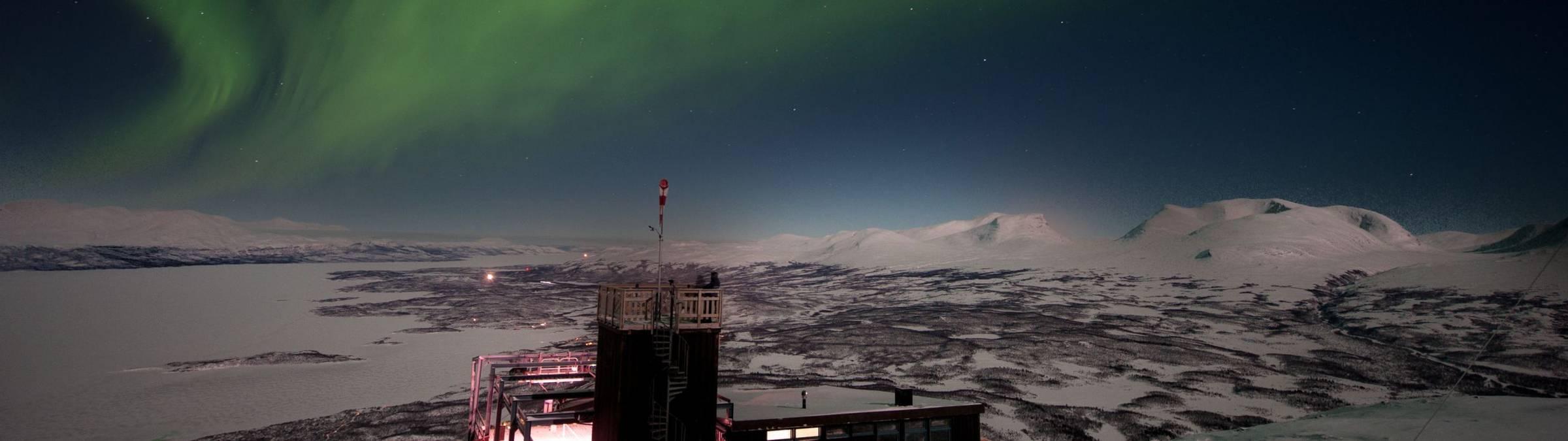 lola_akinmade_åkerström-northern_lights- abisko.jpg