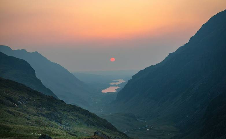 Snowdonia-PenYPass-SPW-neil-thomas-722480-unsplash.jpg