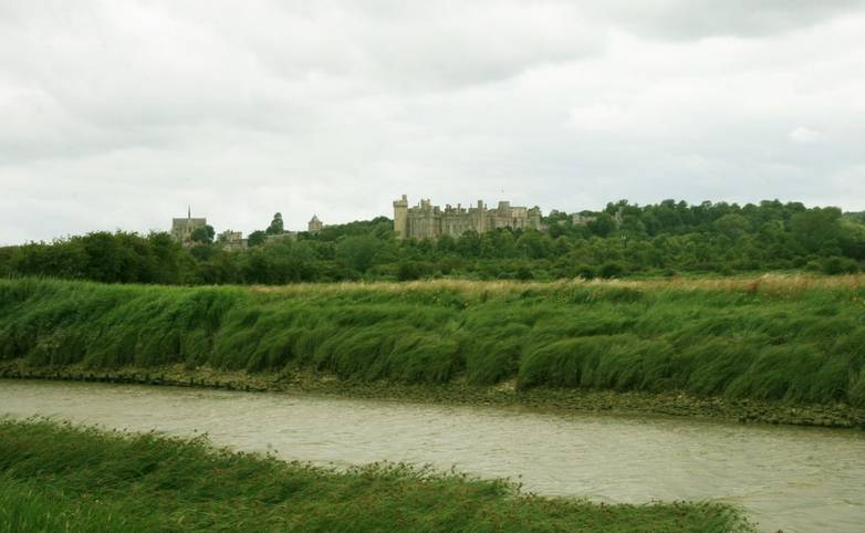 View_Arundel_Castle_River_Arun.JPG