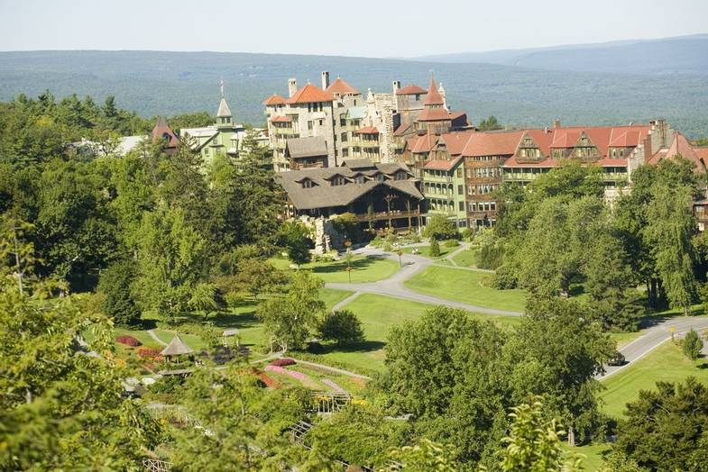 mohonk-mountain-house-summer-Garden-Overlook.JPG