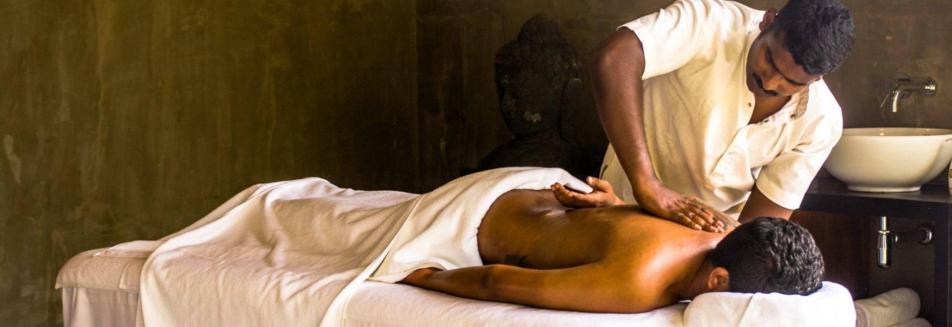 Santani-massage.jpg
