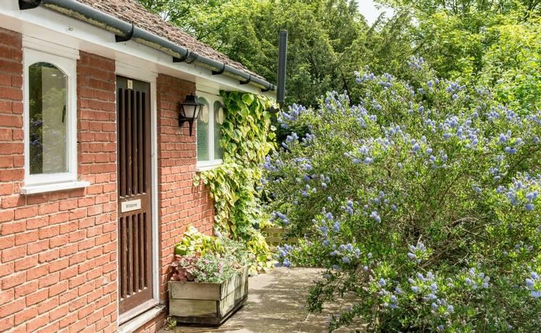 10694_0078 - Longmynd House - Lodge