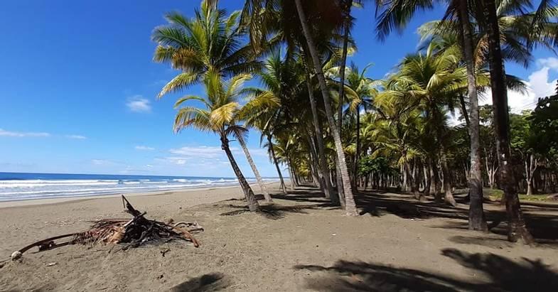 lapazul-retreat-beach-view.jpg