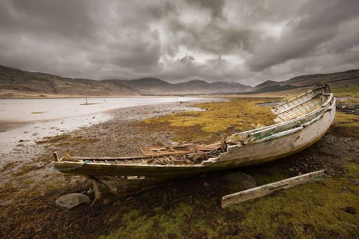 UK17 305 Wreck, Mull, Scotland