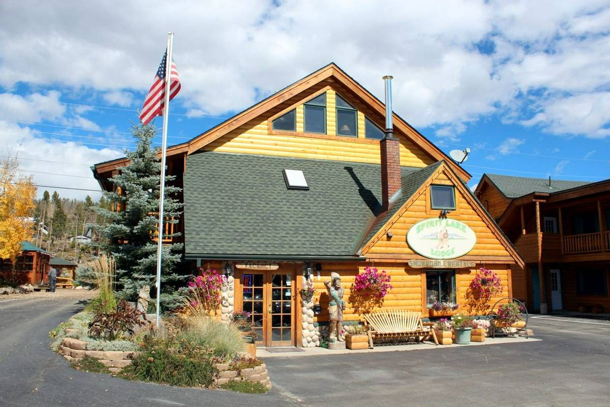 American Rockies - Spirit Lake Lodge.jpg